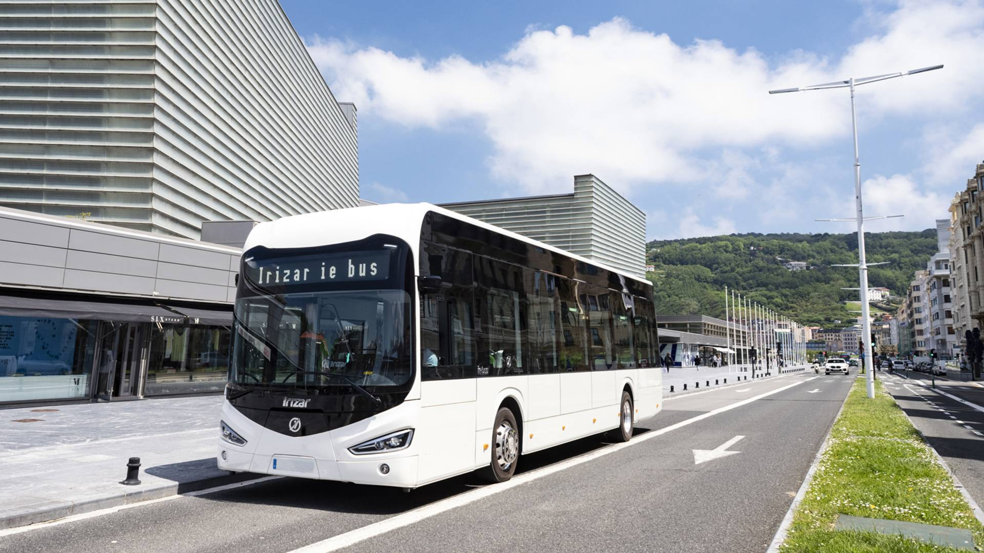Irizar ie bus wins the Bus of the Year 2021 award