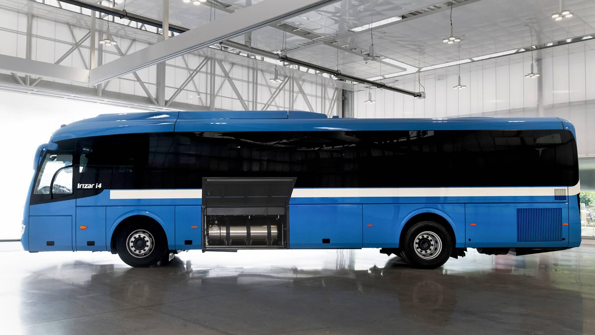 Irizar fabrica el primer autocar de larga distancia de gas natural licuado (GNL)