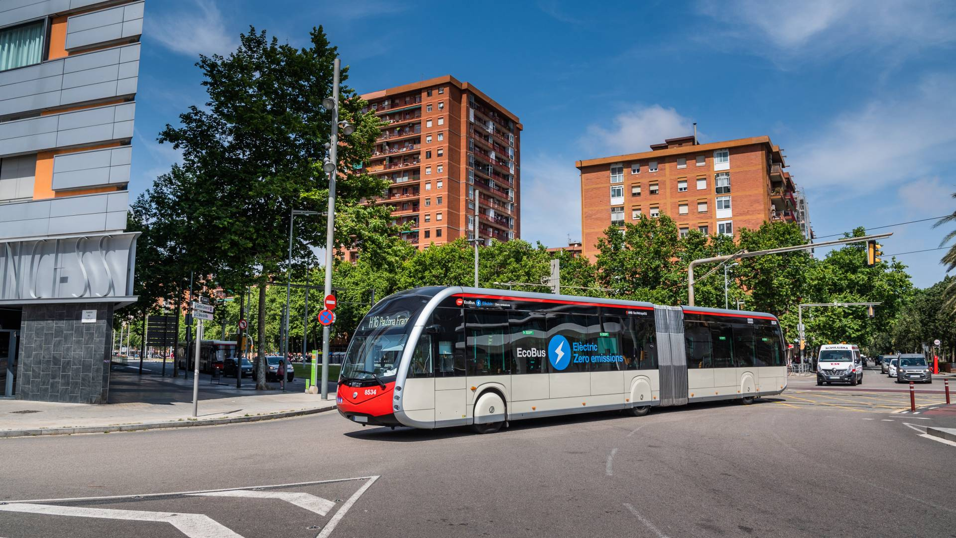 New Irizar electric buses added to the TMB fleet